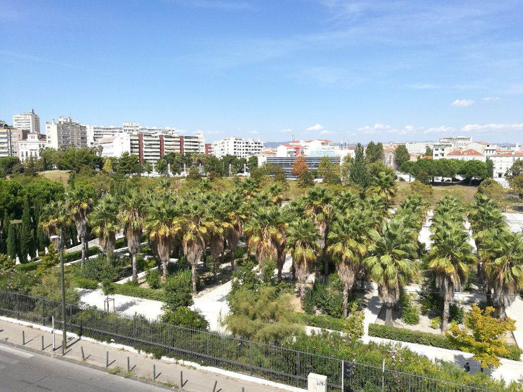 Appartement à louer 2 51m2 à Marseille 8 vignette-1