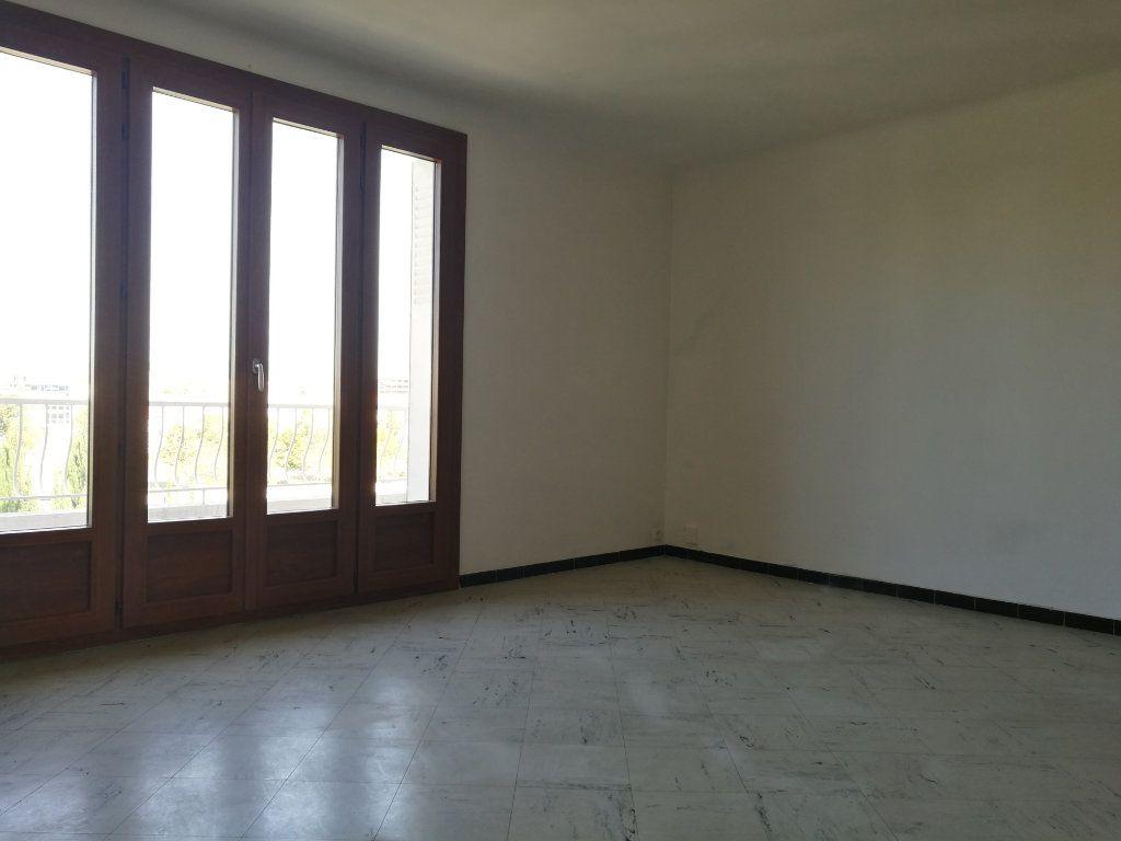 Appartement à louer 2 51m2 à Marseille 8 vignette-5