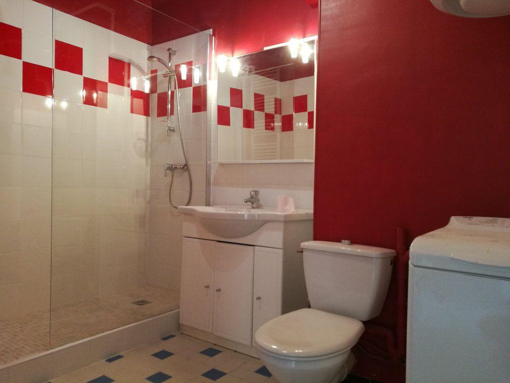 Appartement à louer 2 51m2 à Marseille 8 vignette-8