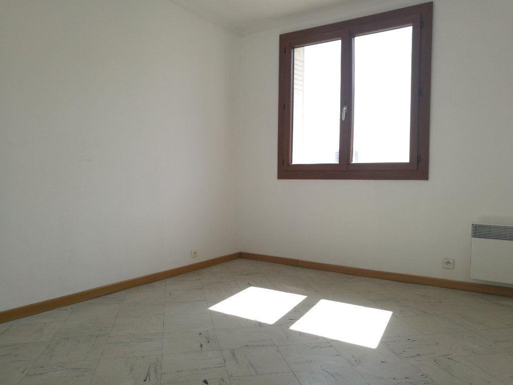 Appartement à louer 2 51m2 à Marseille 8 vignette-9