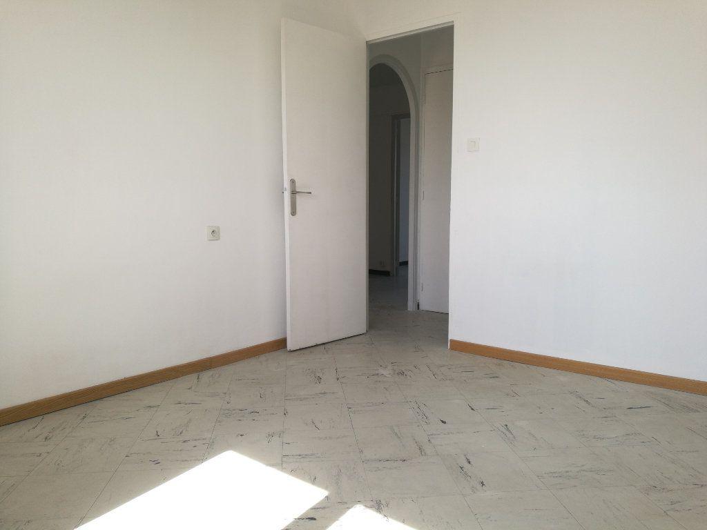 Appartement à louer 2 51m2 à Marseille 8 vignette-10