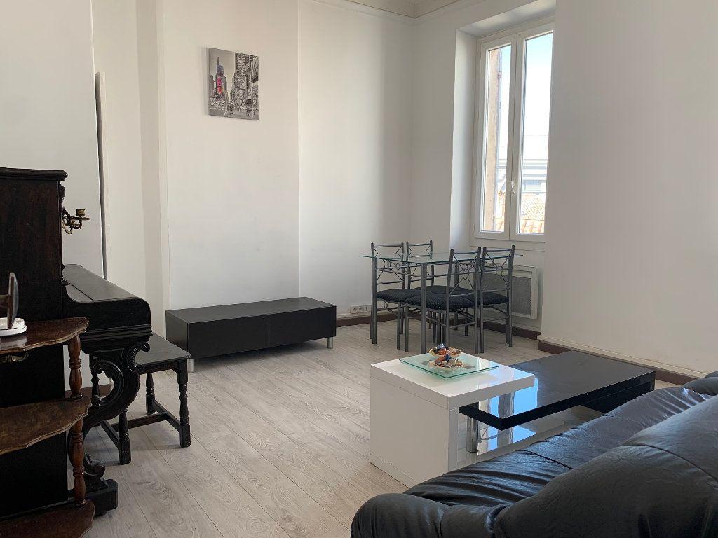 Appartement à louer 2 40.46m2 à Marseille 8 vignette-1