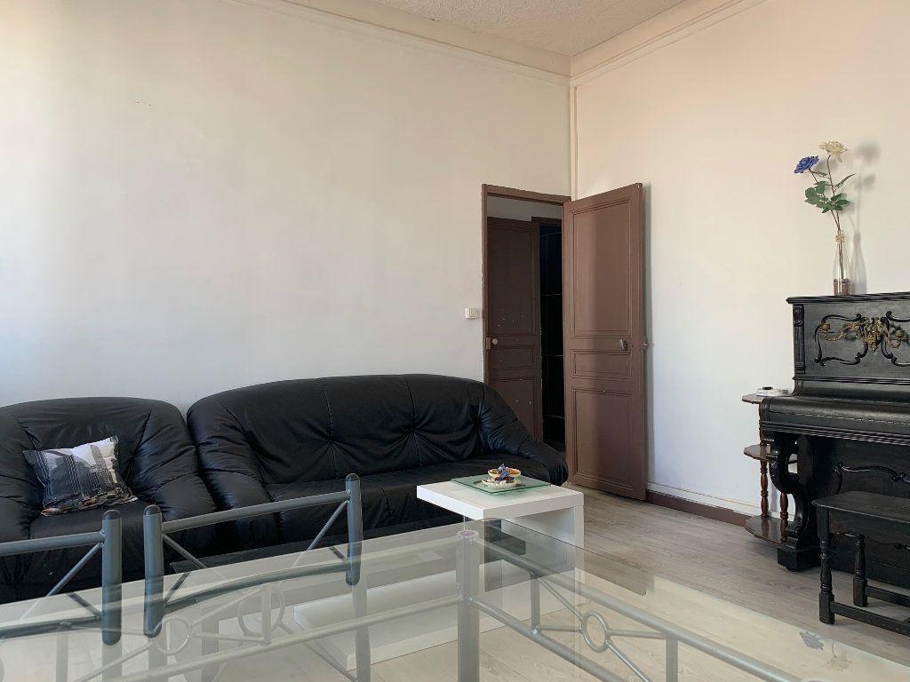 Appartement à louer 2 40.46m2 à Marseille 8 vignette-2
