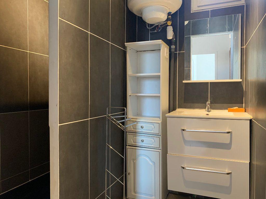 Appartement à louer 2 40.46m2 à Marseille 8 vignette-7