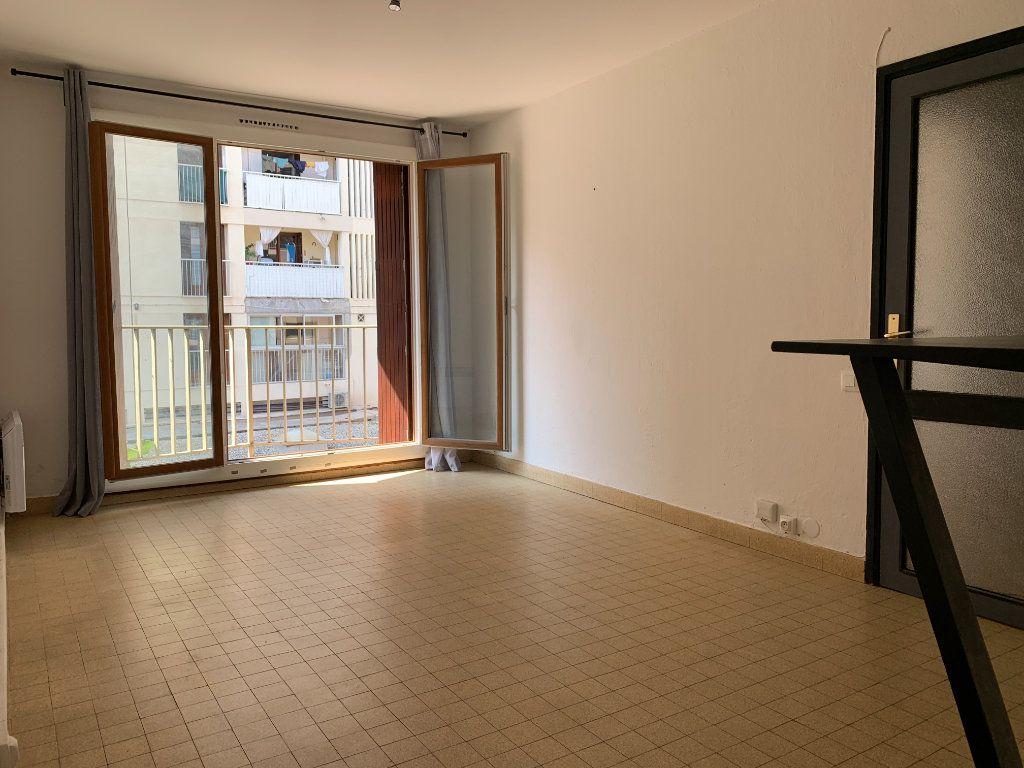Appartement à louer 2 35m2 à Marseille 5 vignette-1