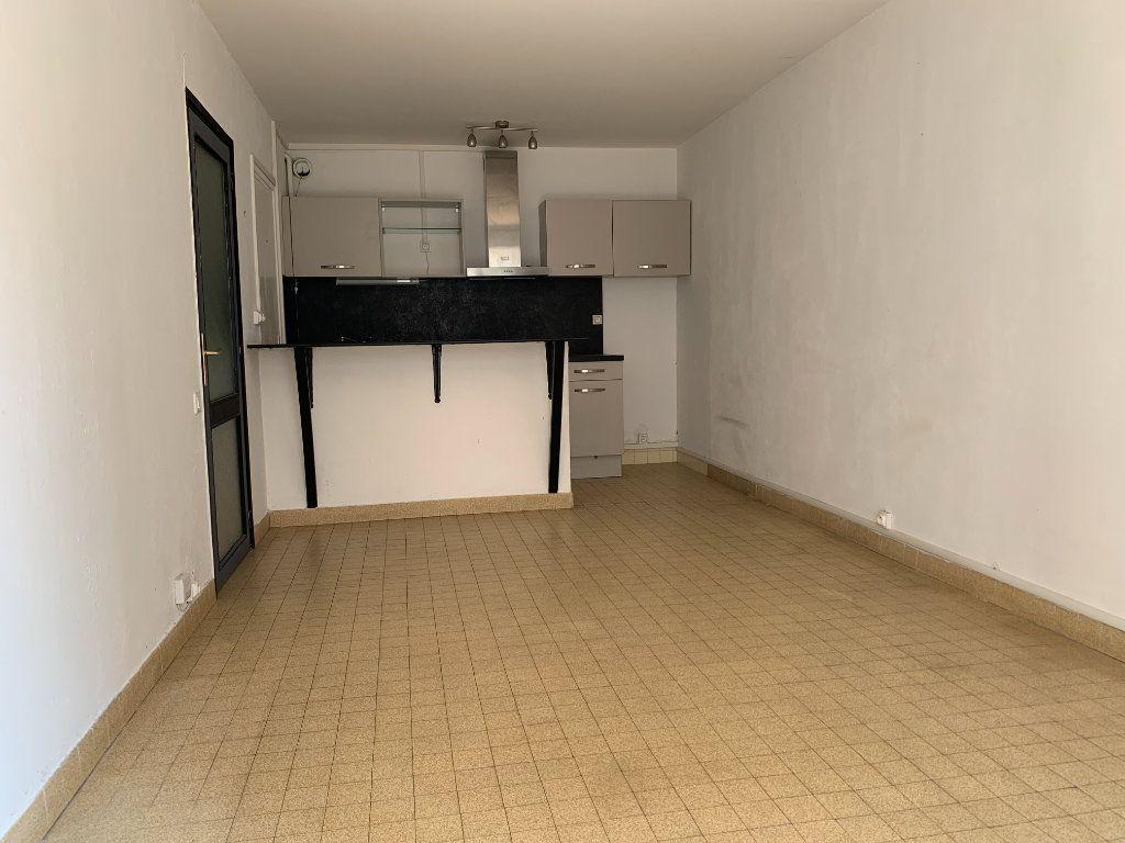 Appartement à louer 2 35m2 à Marseille 5 vignette-3