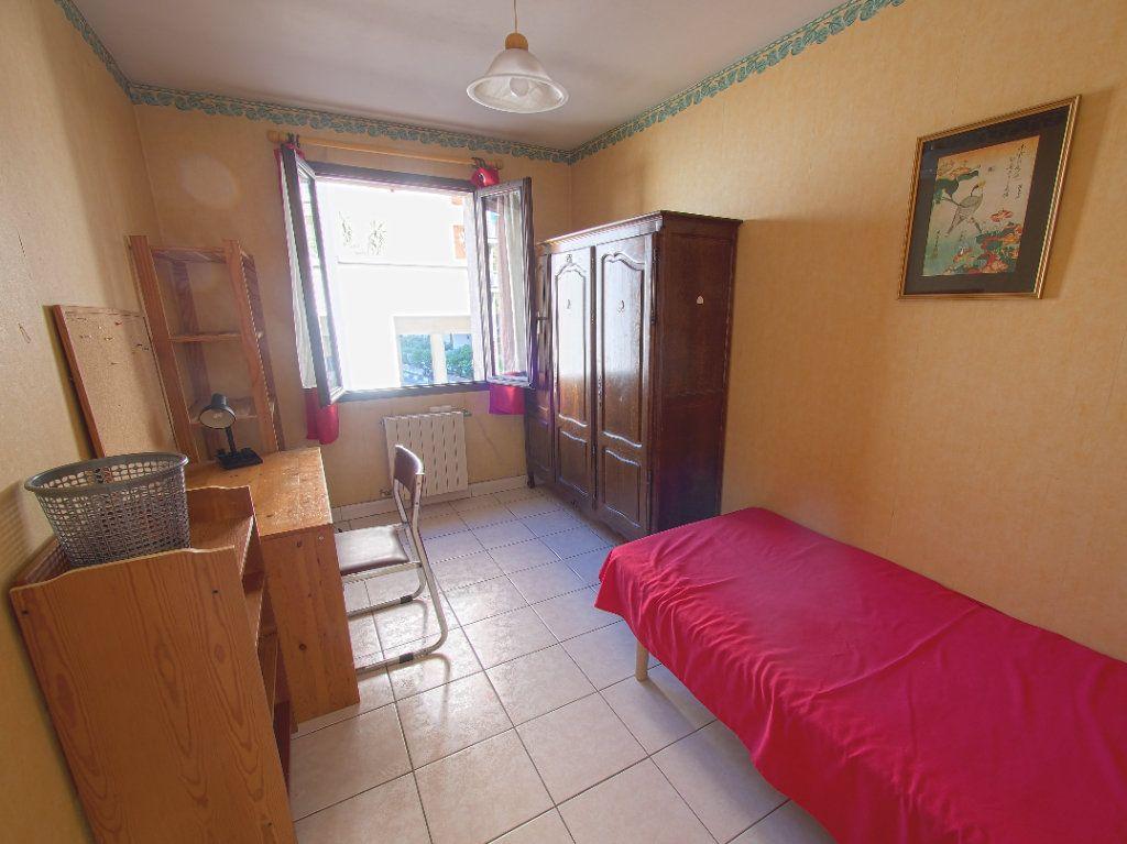 Appartement à louer 2 59.34m2 à Marseille 8 vignette-1