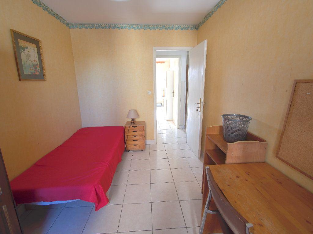 Appartement à louer 2 59.34m2 à Marseille 8 vignette-2