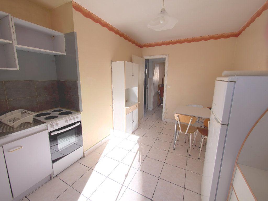 Appartement à louer 2 59.34m2 à Marseille 8 vignette-8