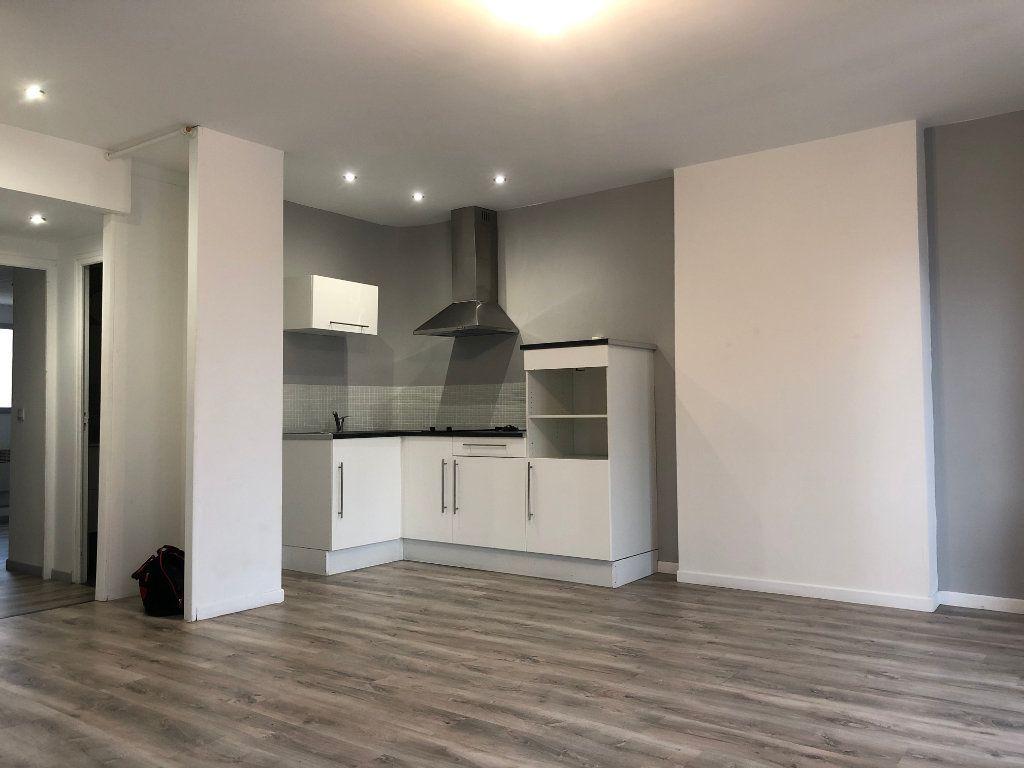 Appartement à louer 2 35.48m2 à Marseille 5 vignette-1