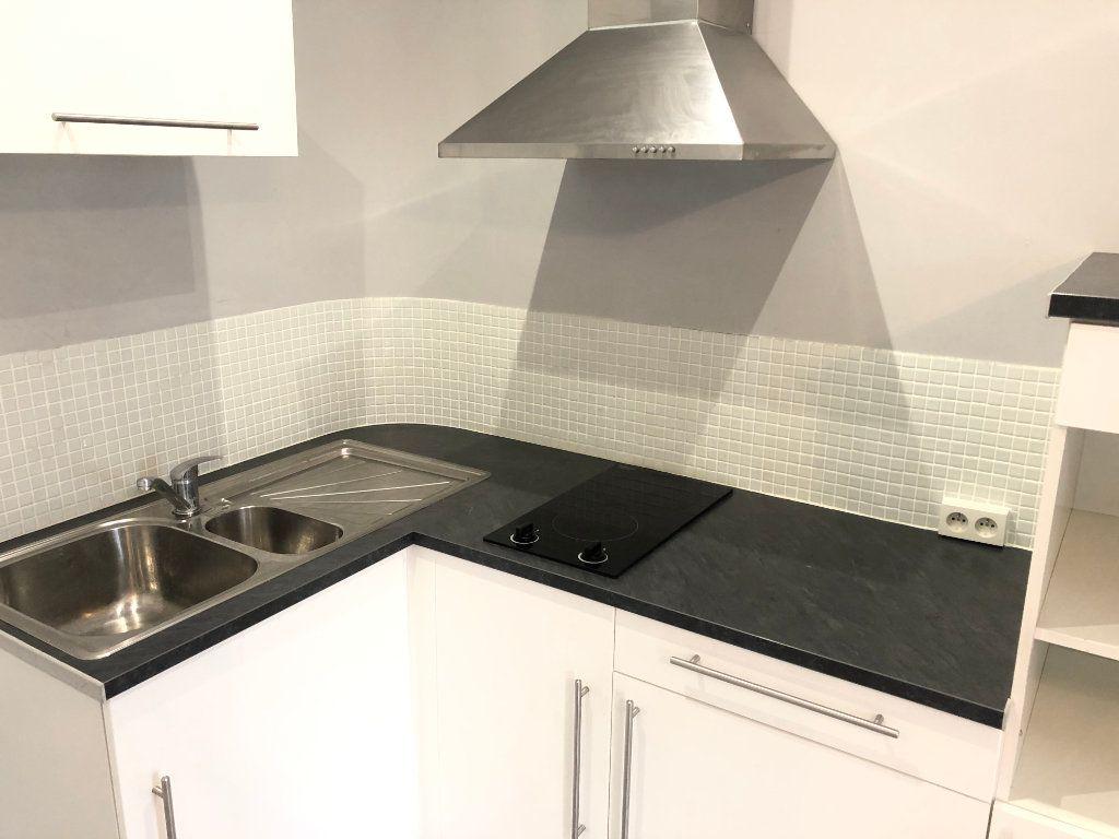 Appartement à louer 2 35.48m2 à Marseille 5 vignette-3