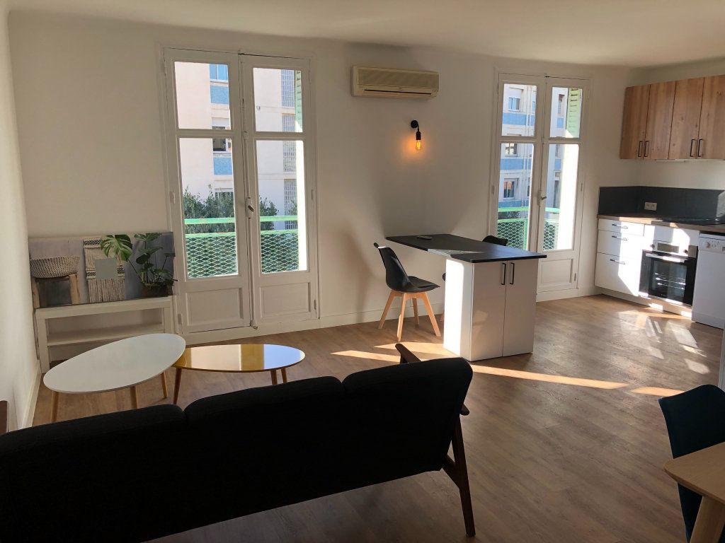 Appartement à louer 2 11m2 à Marseille 8 vignette-3