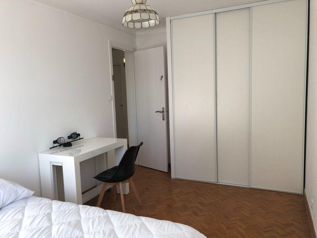 Appartement à louer 2 11m2 à Marseille 8 vignette-6