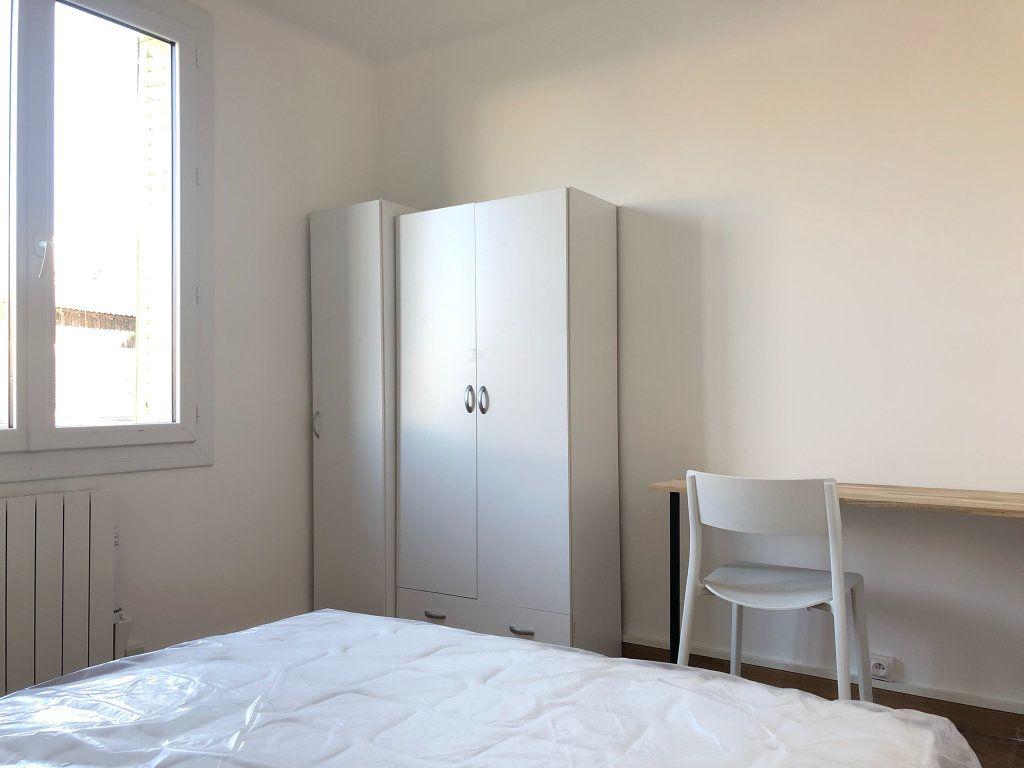 Appartement à louer 2 11m2 à Marseille 8 vignette-8