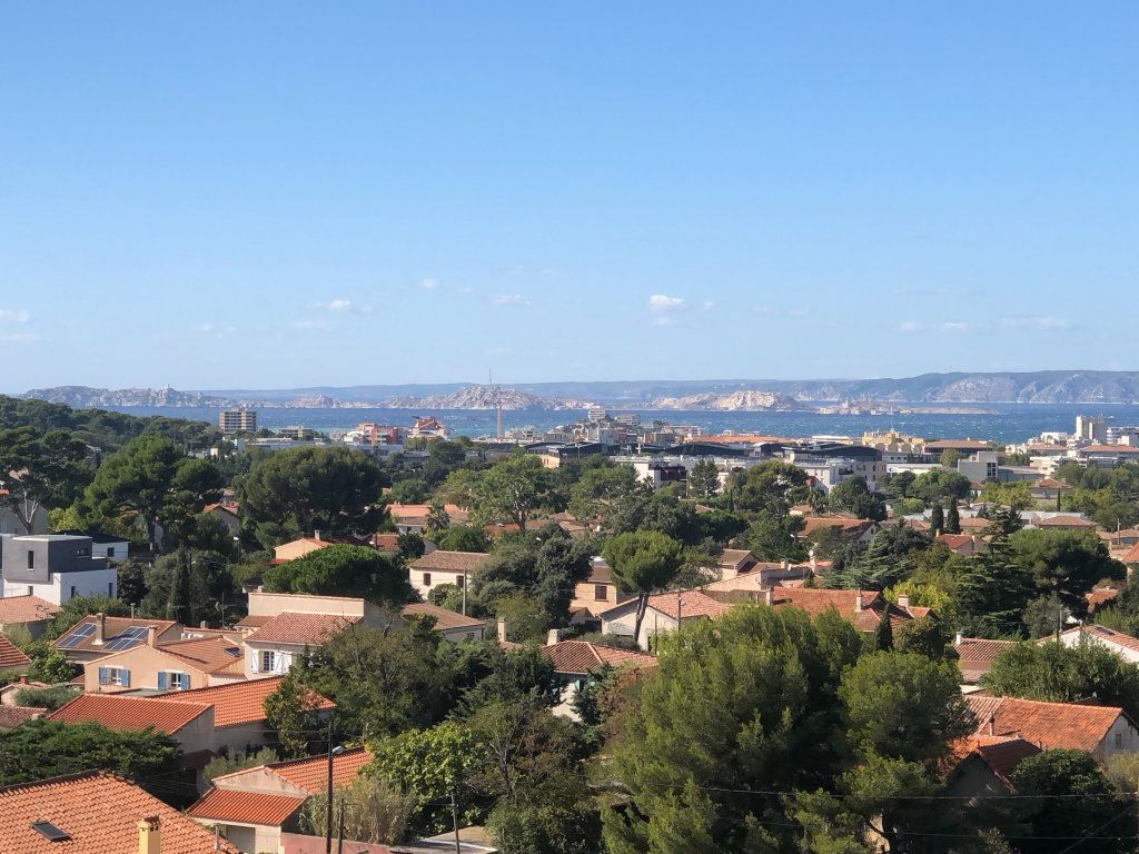 Appartement à louer 3 66m2 à Marseille 9 vignette-1
