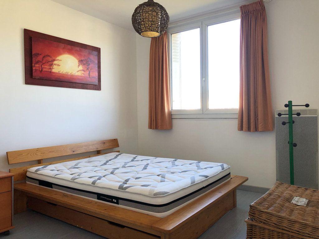 Appartement à louer 3 66m2 à Marseille 9 vignette-5