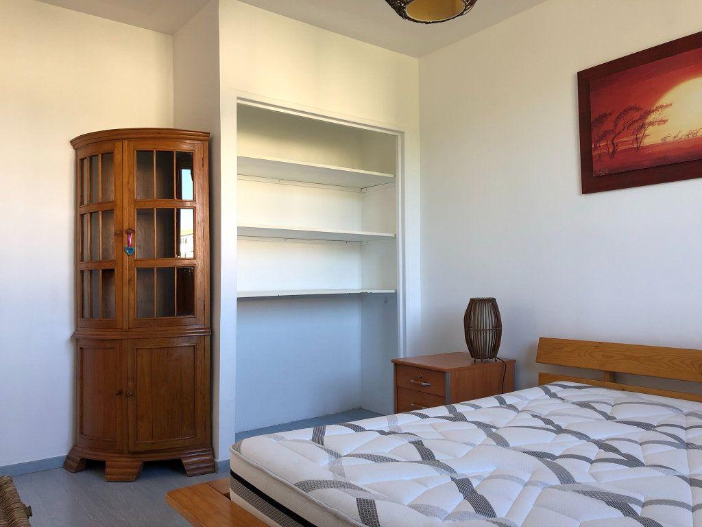 Appartement à louer 3 66m2 à Marseille 9 vignette-7