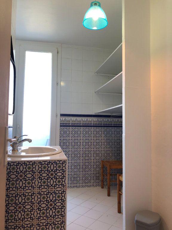 Appartement à louer 3 66m2 à Marseille 9 vignette-10