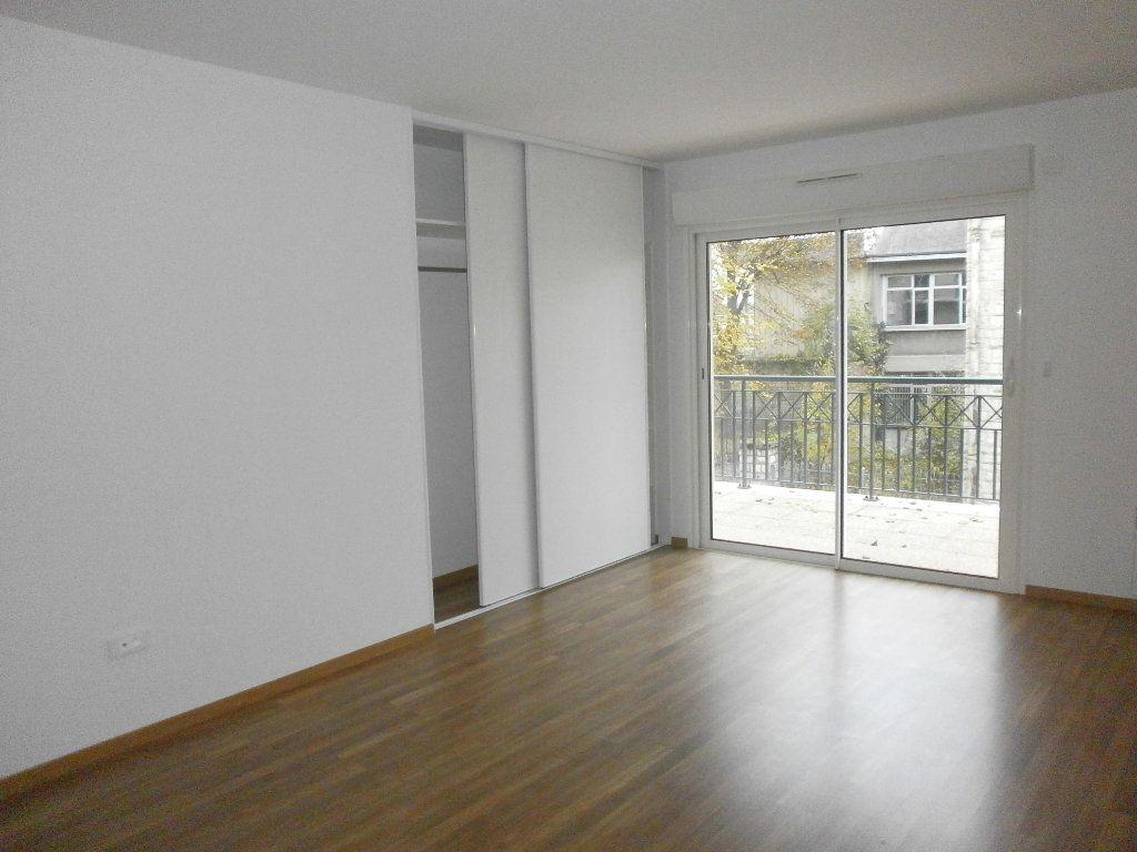 Appartement à louer 3 95m2 à Argentan vignette-2
