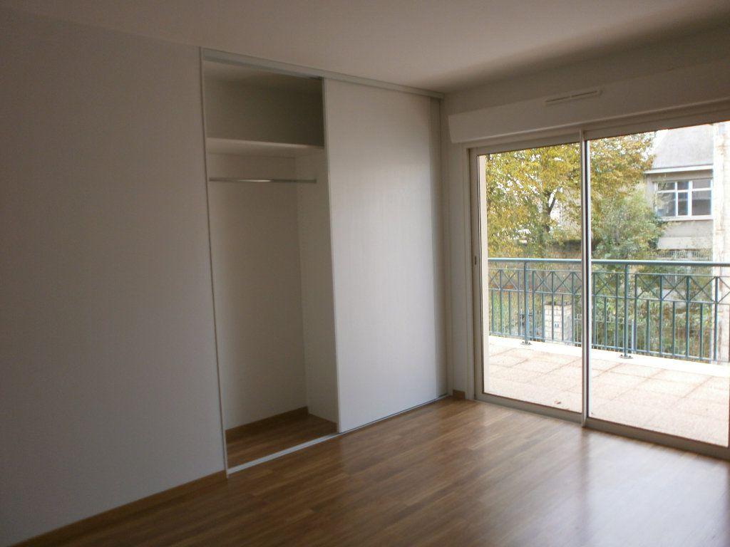 Appartement à louer 3 95m2 à Argentan vignette-3