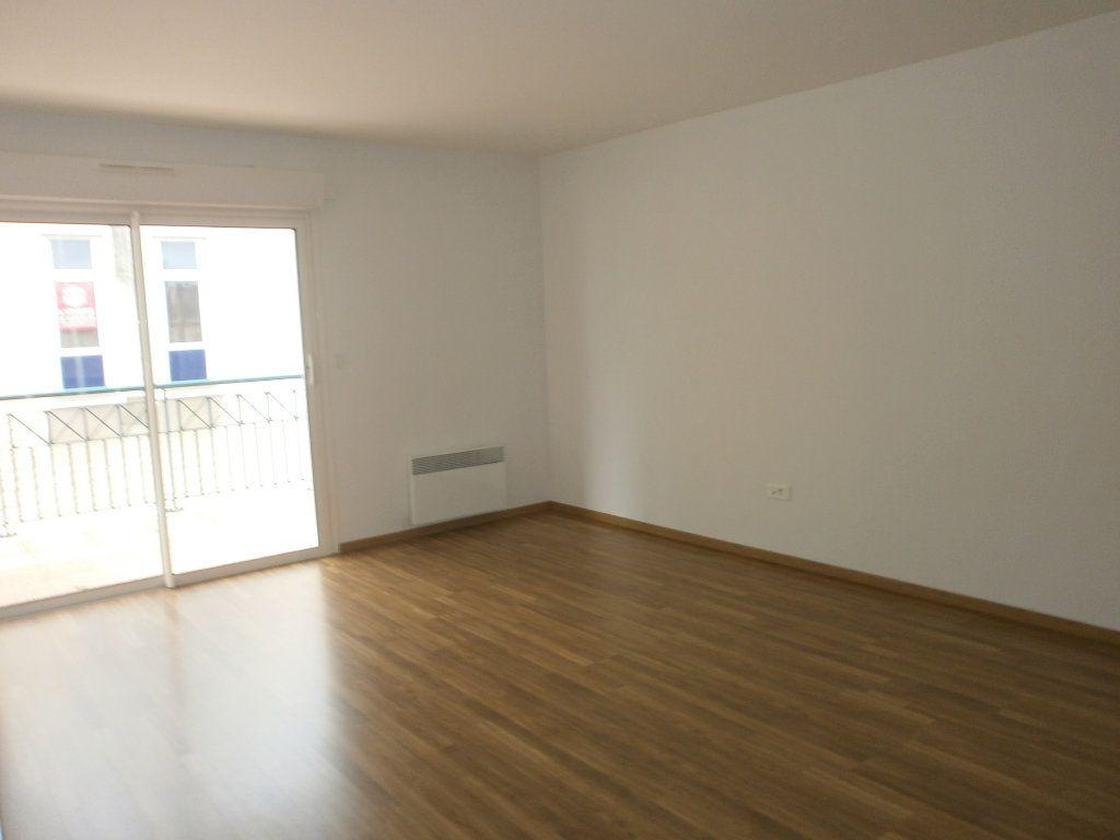 Appartement à louer 3 95m2 à Argentan vignette-4