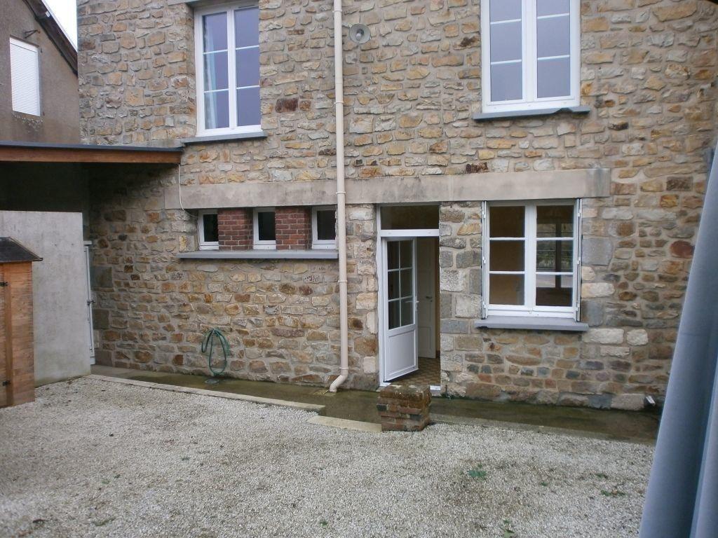 Maison à louer 5 84.25m2 à Lougé-sur-Maire vignette-1