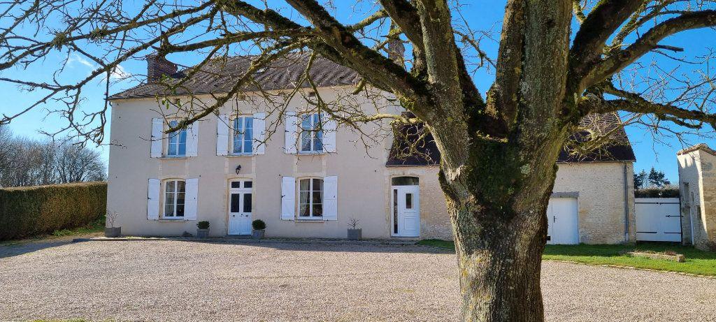 Maison à vendre 6 231.7m2 à Moulins-sur-Orne vignette-1