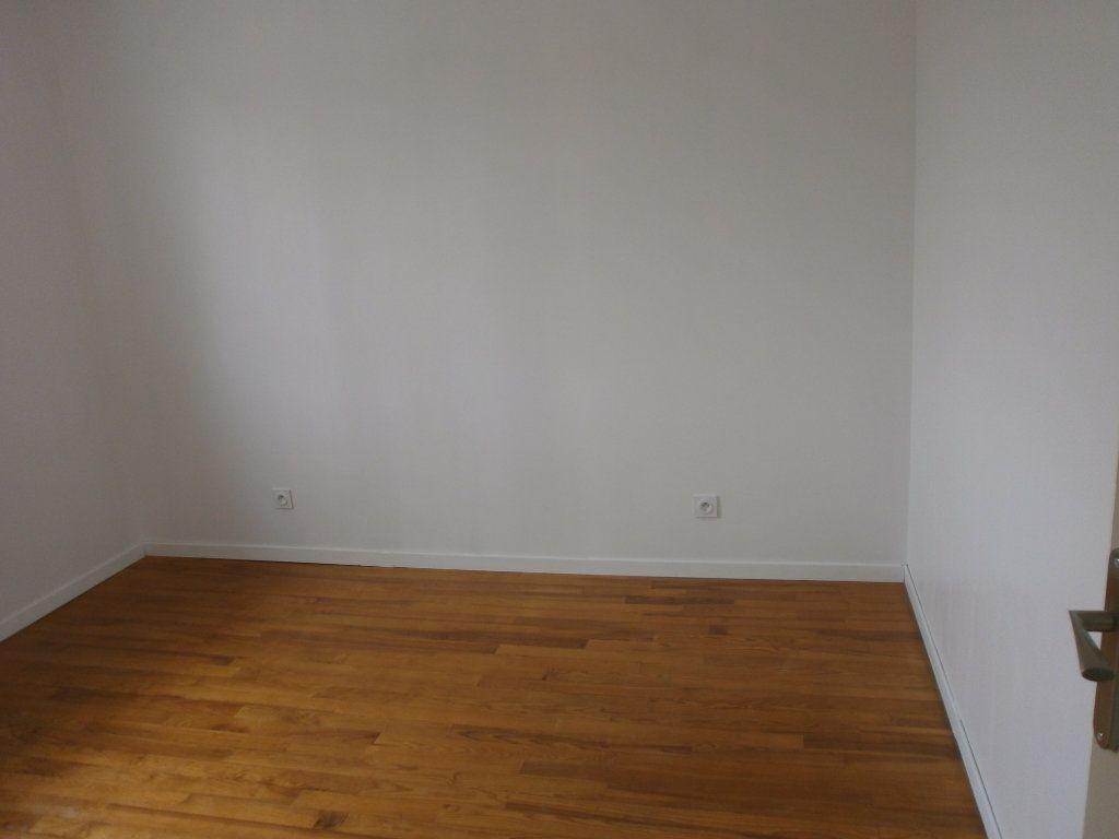Maison à louer 4 65m2 à Argentan vignette-6