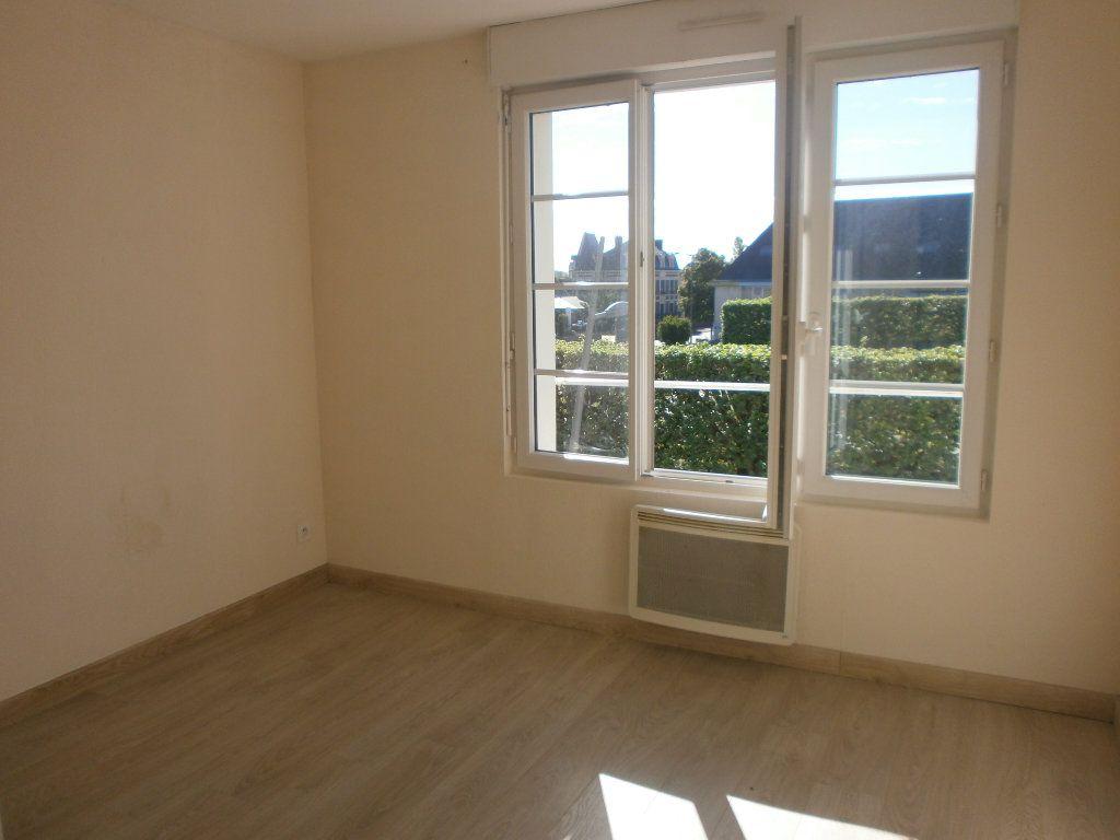Appartement à louer 2 42m2 à Argentan vignette-3