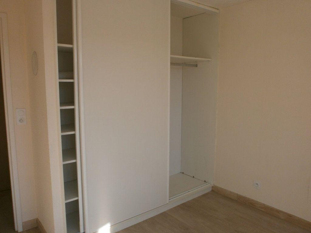 Appartement à louer 2 42m2 à Argentan vignette-4
