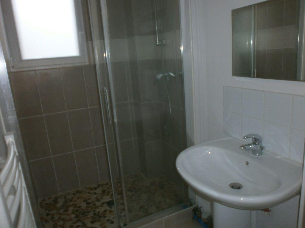 Appartement à louer 2 42m2 à Argentan vignette-5