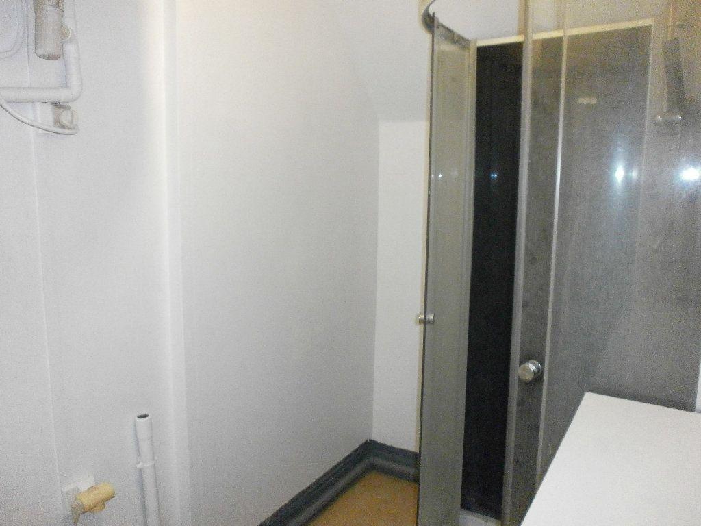 Appartement à louer 1 24m2 à Argentan vignette-3