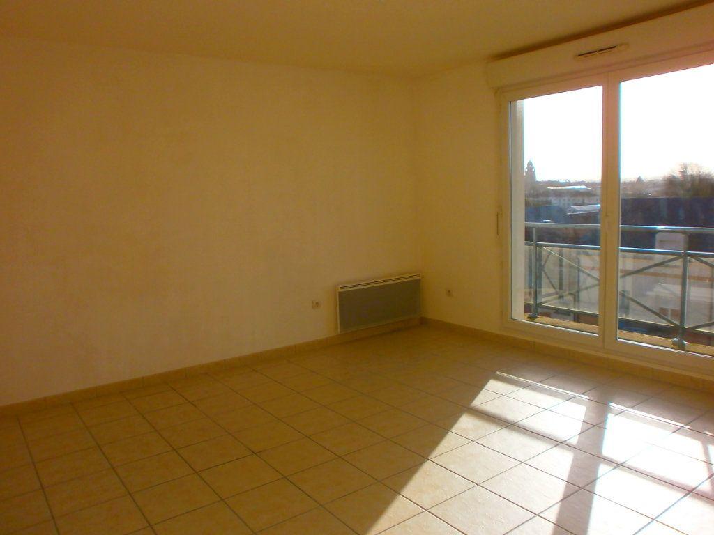 Appartement à louer 1 29m2 à Argentan vignette-1