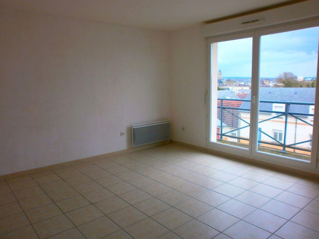Appartement à louer 1 29m2 à Argentan vignette-3
