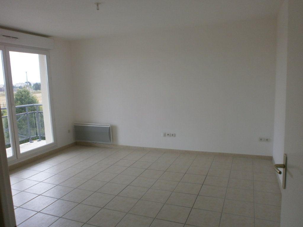 Appartement à vendre 3 61.76m2 à Argentan vignette-2