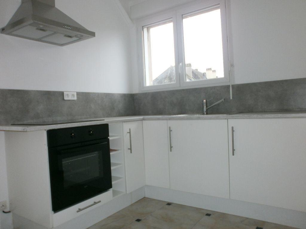 Appartement à louer 3 54m2 à Argentan vignette-1