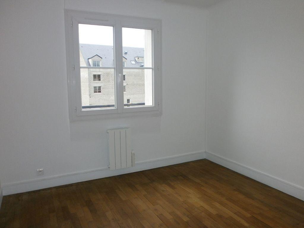 Appartement à louer 3 54m2 à Argentan vignette-3