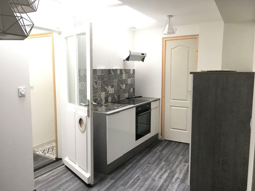 Appartement à louer 2 36m2 à Argentan vignette-1