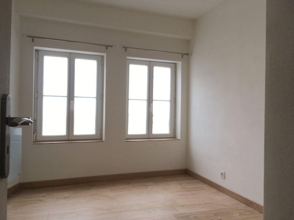 Appartement à louer 2 36m2 à Argentan vignette-4