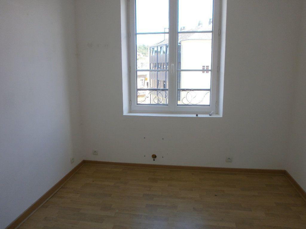 Appartement à louer 3 37.49m2 à Vimoutiers vignette-3