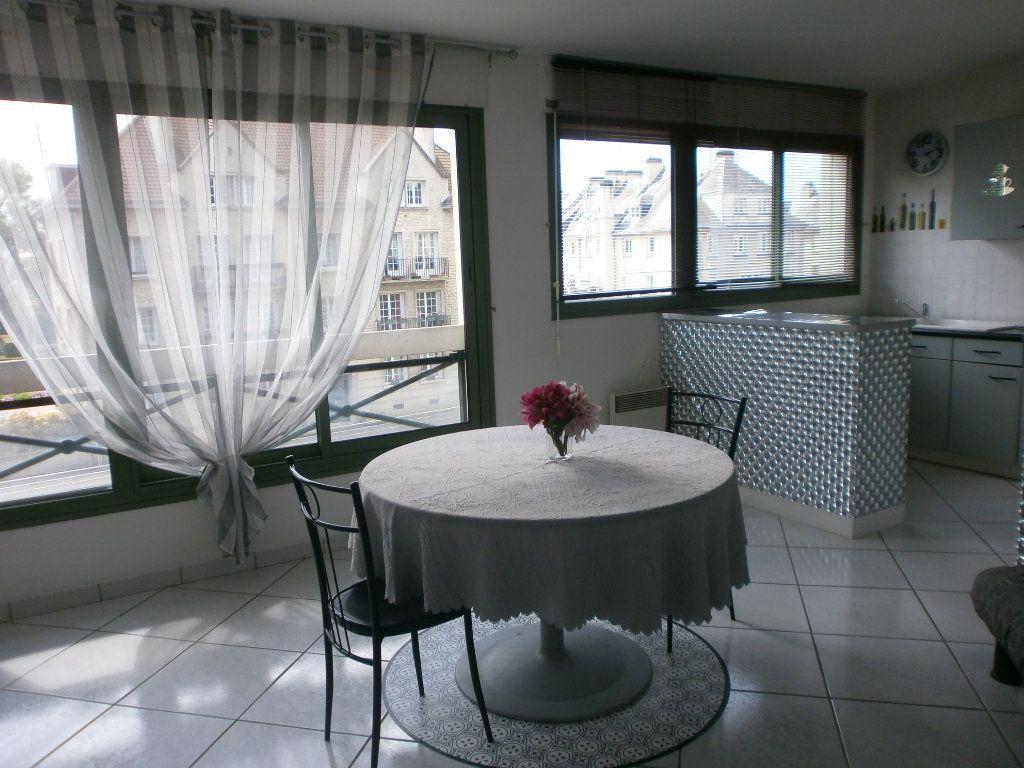 Appartement à louer 2 46.4m2 à Argentan vignette-1