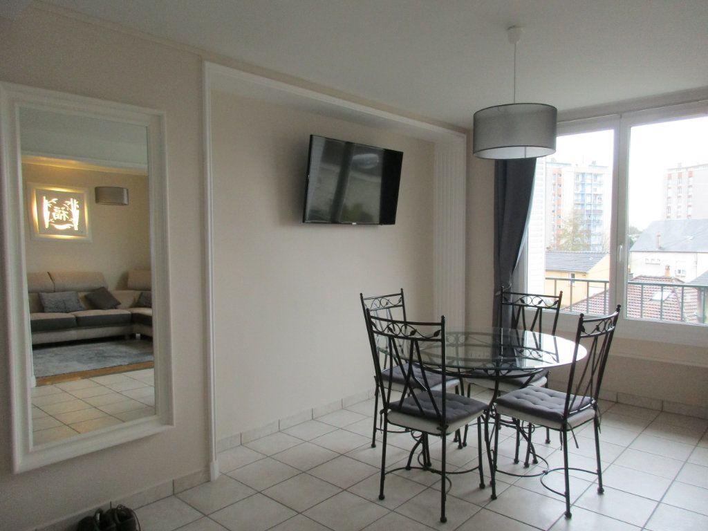 Appartement à louer 2 50.68m2 à Argentan vignette-3