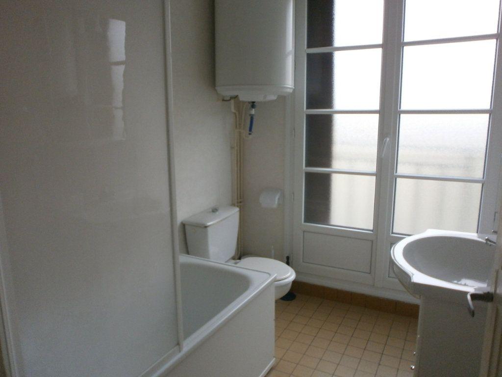 Appartement à louer 2 30m2 à Argentan vignette-4