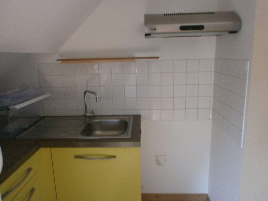 Appartement à louer 3 57m2 à Argentan vignette-2