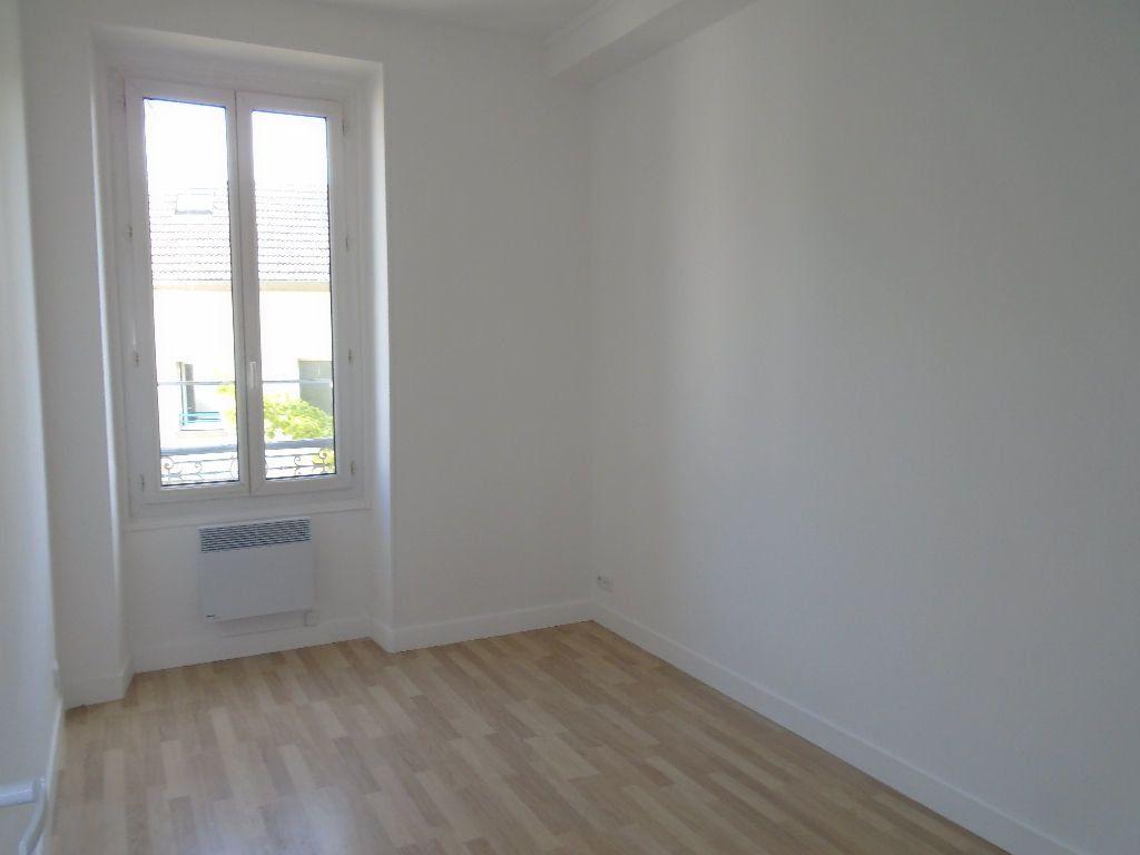 Appartement à louer 3 63.26m2 à Mitry-Mory vignette-3