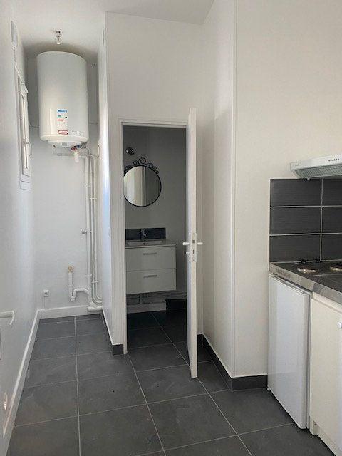Appartement à louer 1 24.17m2 à Mitry-Mory vignette-1
