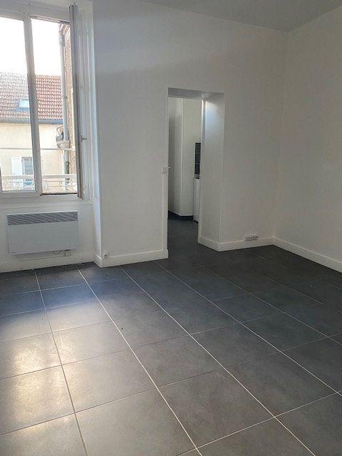 Appartement à louer 1 24.17m2 à Mitry-Mory vignette-3