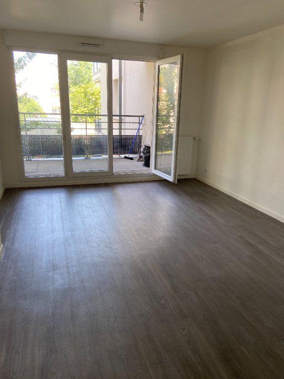 Appartement à louer 2 43.84m2 à Tremblay-en-France vignette-2