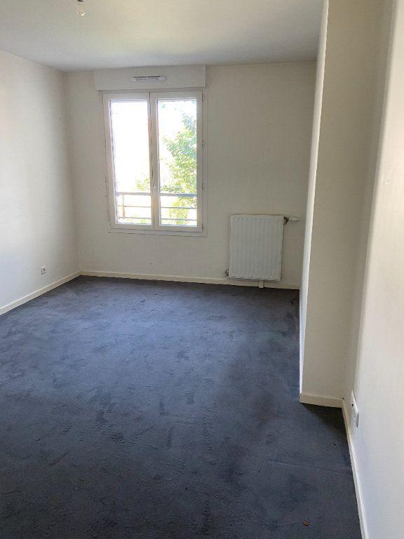 Appartement à louer 2 43.84m2 à Tremblay-en-France vignette-3