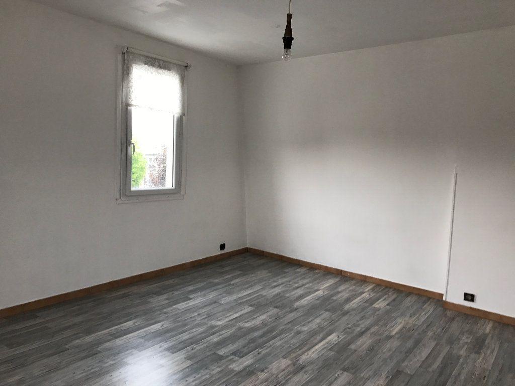 Appartement à louer 1 21m2 à Villeparisis vignette-1
